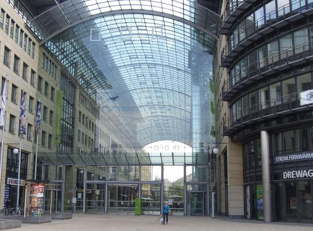 main entrance WTC-Dresden